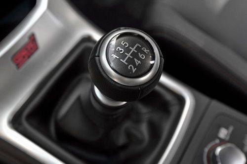 advantages of a manual transmission